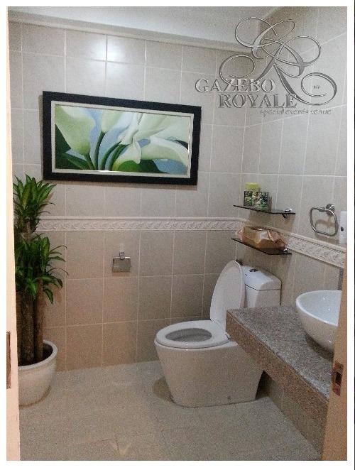 Toilet inside the Bridal Suite